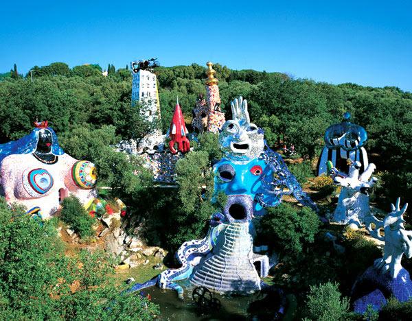 Niki de saint phalle artiste non conventionnelle elles osent - Niki de saint phalle maison ...