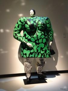 Nana de Niki de Saint Phalle 2